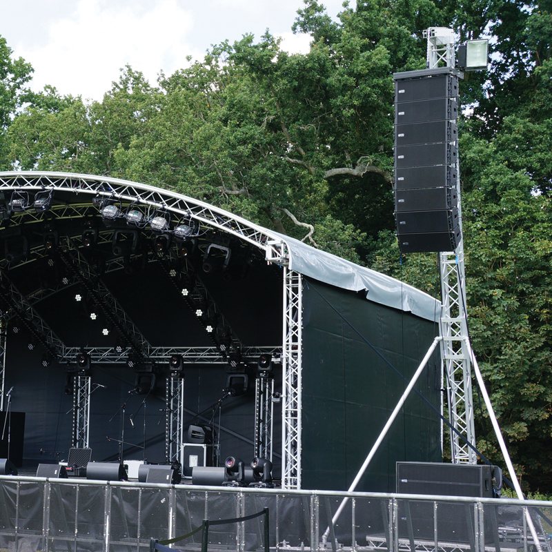 LA 500 F34 PL Line Array Tower - Example of use