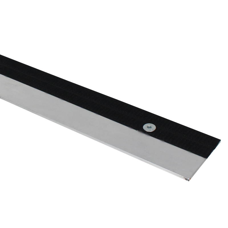 GT Stage Deck 970mm Skirt Bar