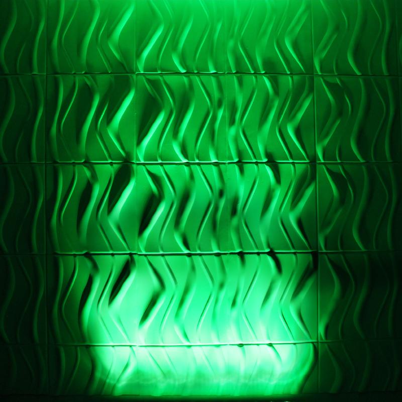 Quad Pix Batten Green Wall Wash